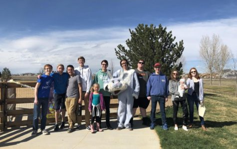 "Broomfield High FBLA Hosts ""Paws in the Park"""